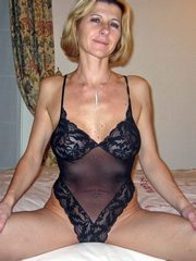 Amazing milf girlfriends in sexy lingerie