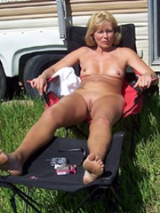 Watch the shaved holes of horny wives,..