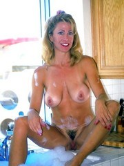 Naked moms-exhibitionist, I want to fuck