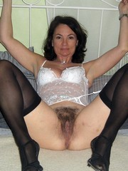 Naked mom with magic mature pussy