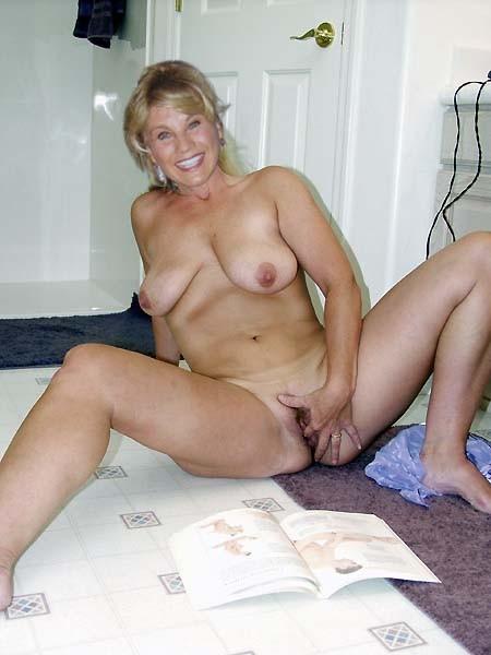 Mature mom anal fuck