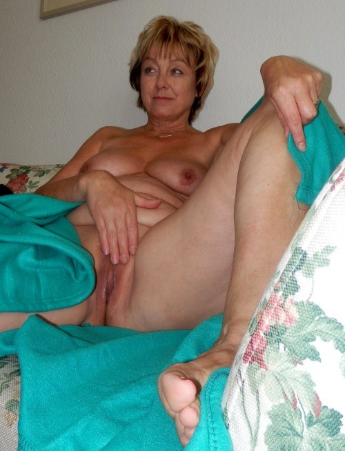 Mature celtic woman naked