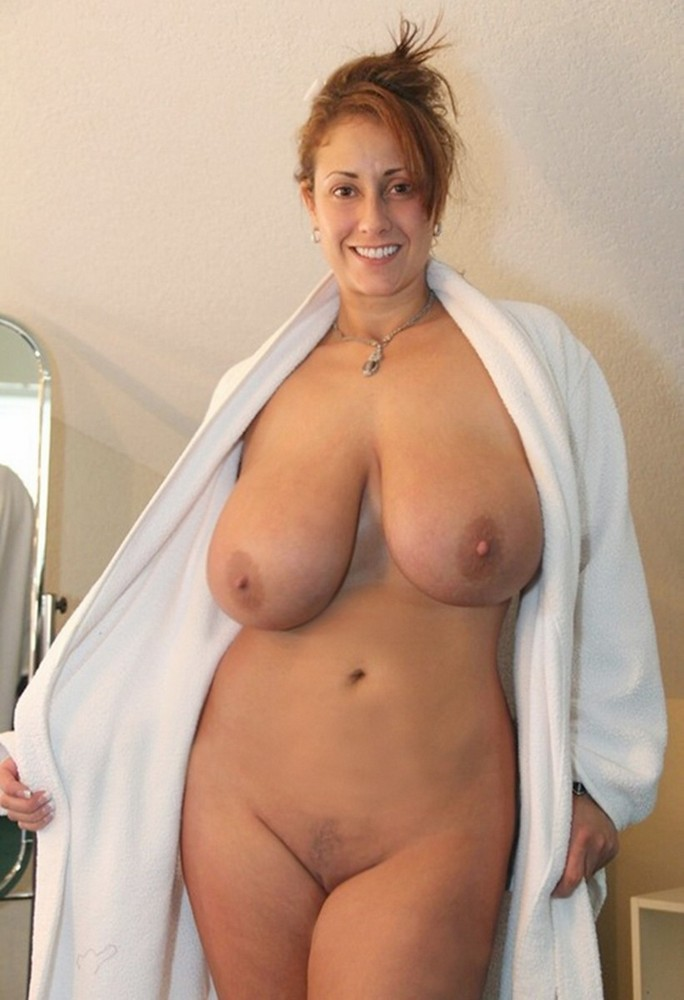 Beautiful naked middle age women