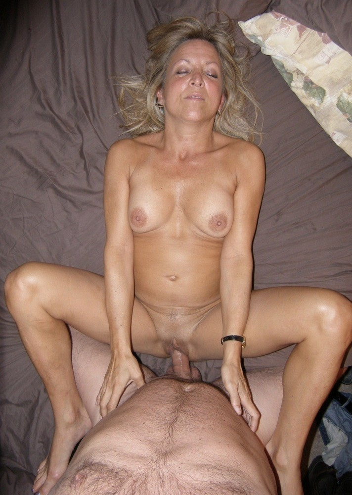 Lonely hot mom