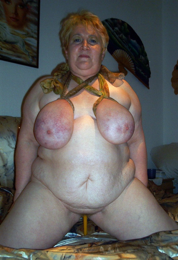 Blonde drecksau wird von ihrem ex richtig gefickt 1