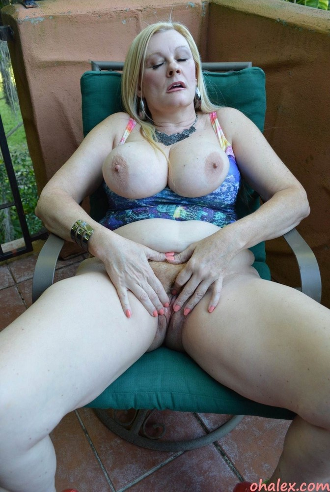 lonely mature women