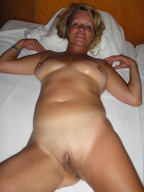 naked married women who like to suck cock