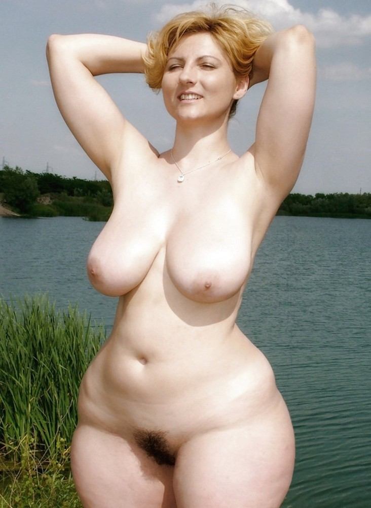wide women Amateur nude hips