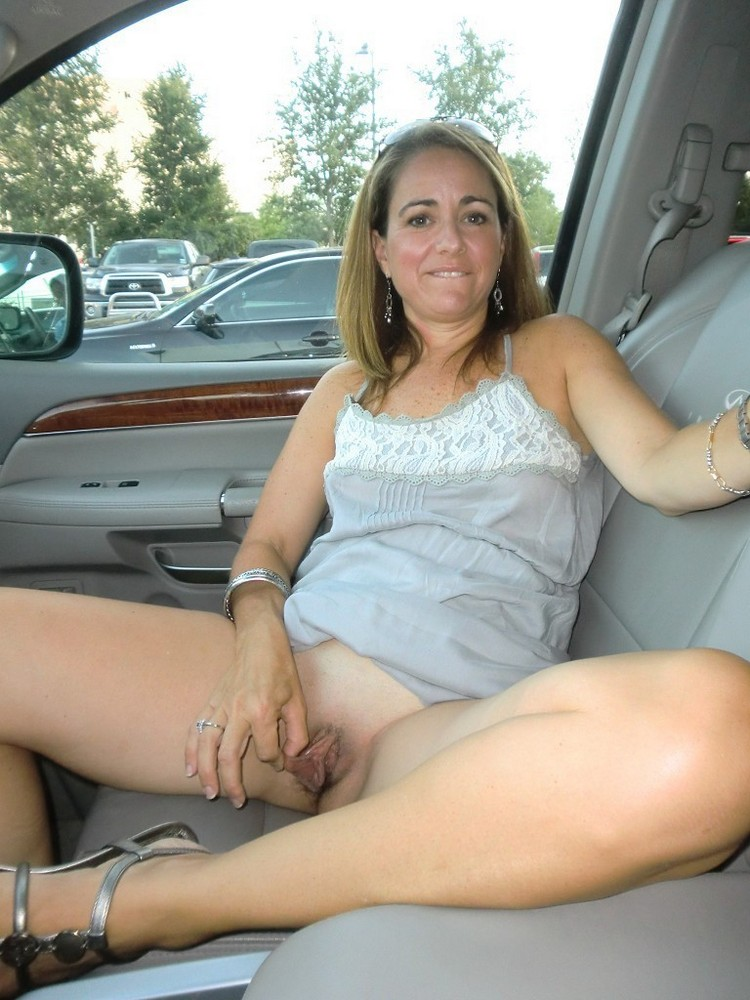 Blonde Mature Hairy Pussy