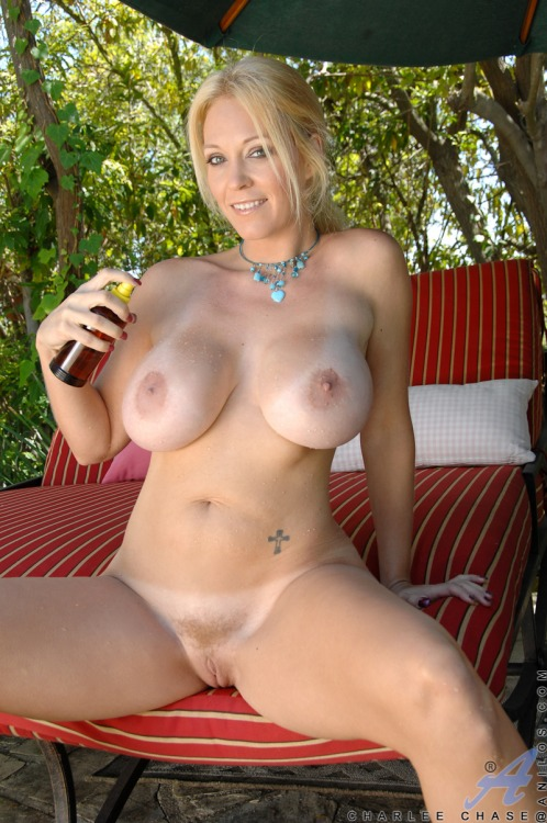 Amateur Blonde Milf Wife