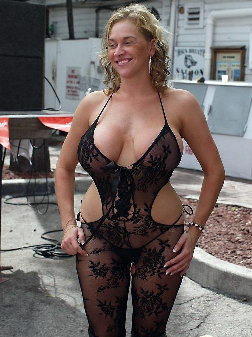 Nude moms in public